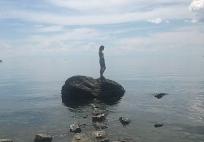 lake-baikal-gigi-wanders-rock
